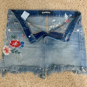 Jean skirt (with floral patches)